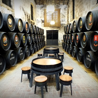 visits to wineries, wine lovers